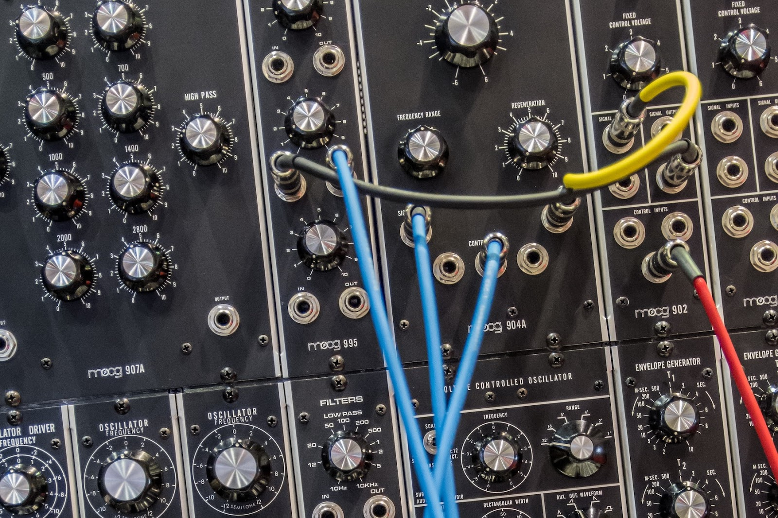 Simple FM Synthesis: Sine Waves and Processors
