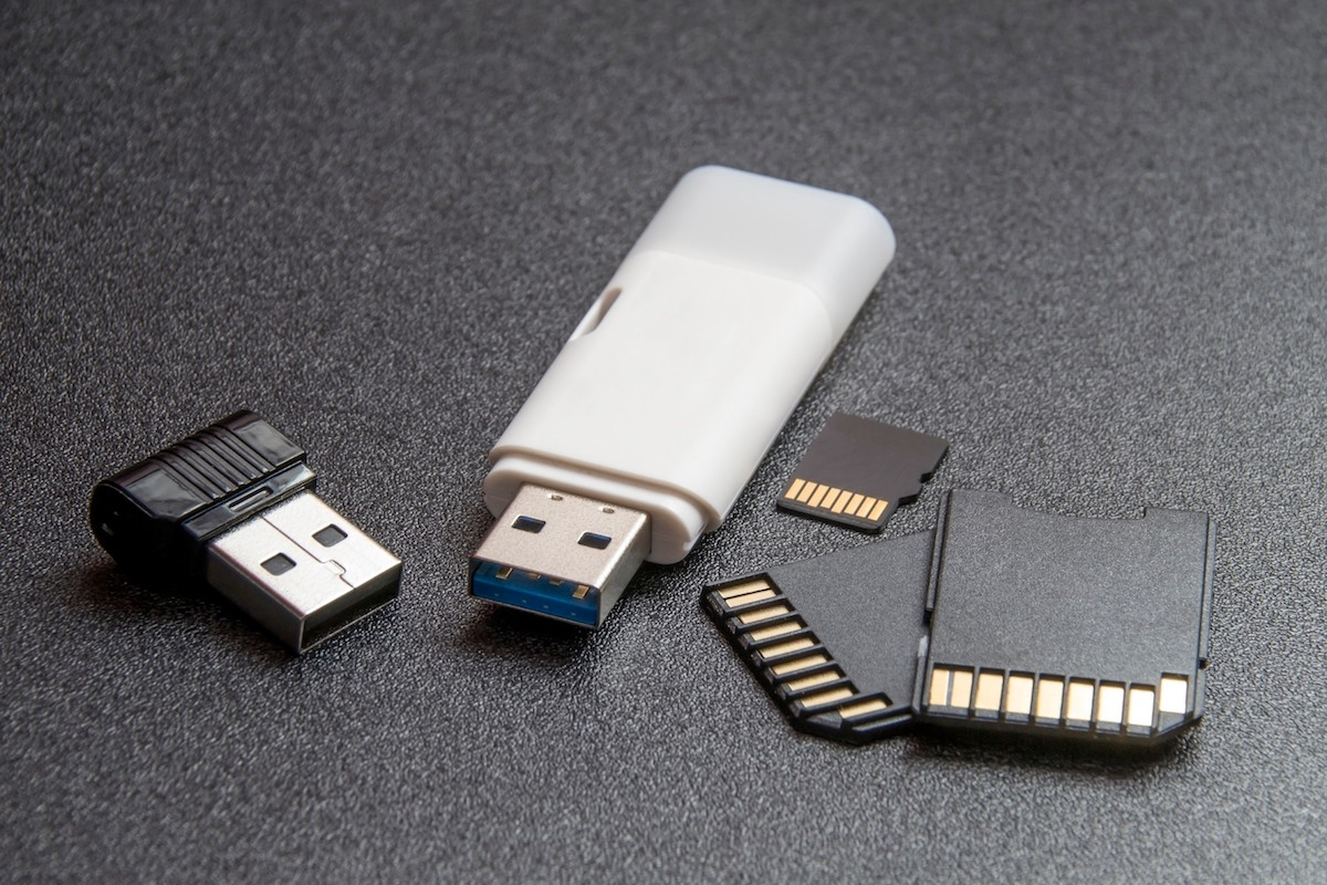 Pendrives and memory cards